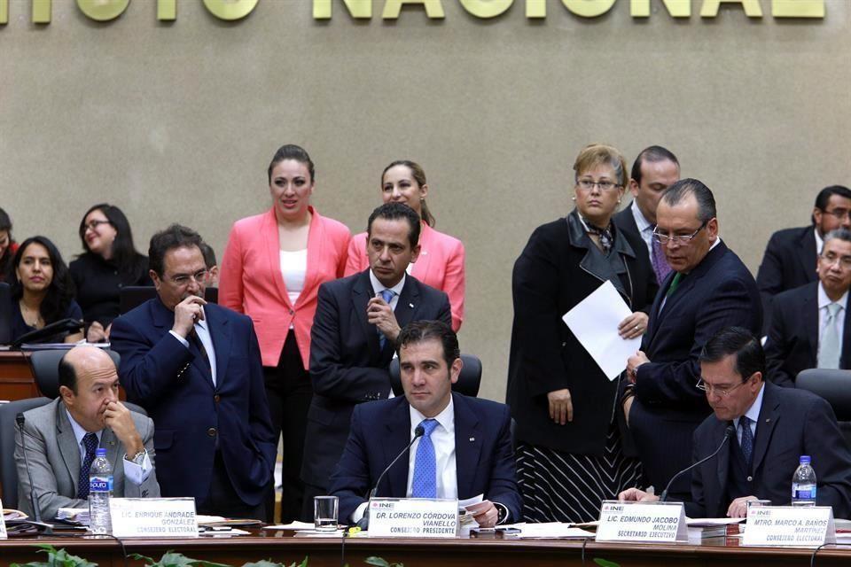 La propuesta, que según integrantes de la Comisión de Fiscalización, cuenta con los votos para ser aprobada, fue hecha por el presidente del INE, Lorenzo Córdova. FOTO: Archivo