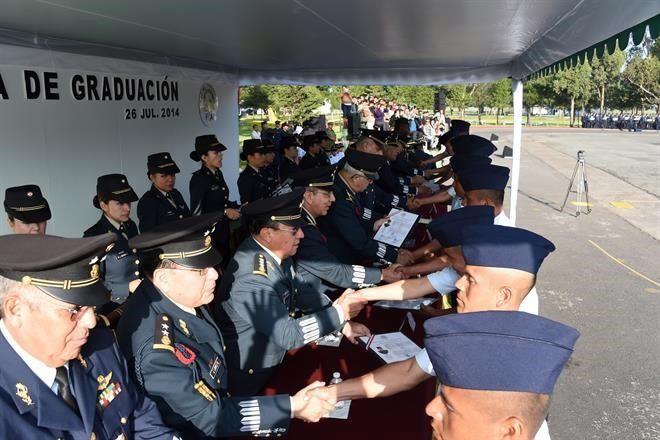 Se gradúan especialistas de Fuerza Aérea 1582027