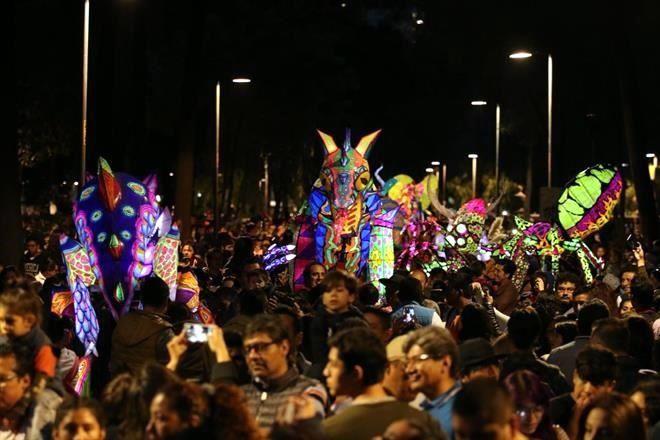 Resultado de imagen para Alebrijes iluminados desfilarán en la Alameda Central