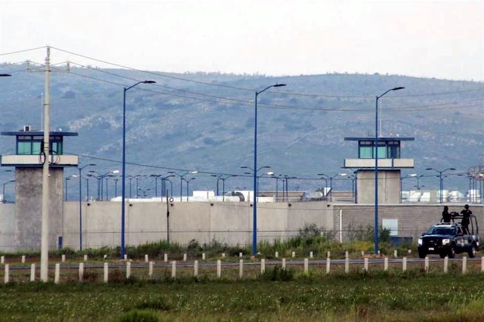 Trasladan A Z 42 A Penal En Guanajuato