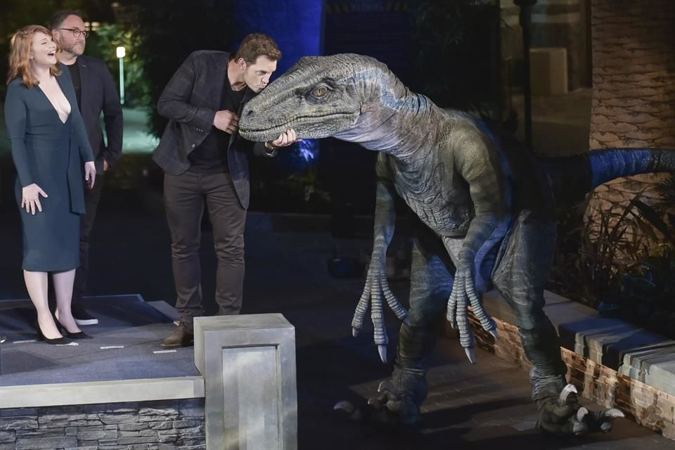 Invaden Dinosaurios Los Angeles Follow us on facebook and. invaden dinosaurios los angeles