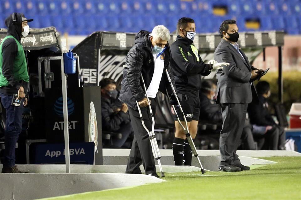 Ricardo Ferretti regresa a los entrenamientos de Tigres tras ser operado hace nueve días