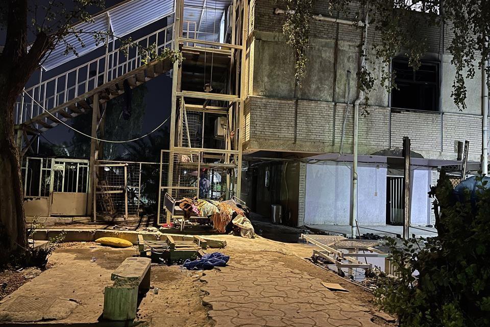 Deja 82 muertos incendio en hospital en Irak