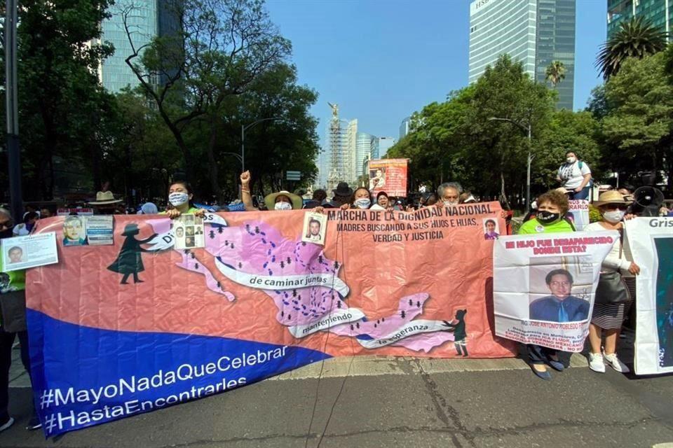 Marchan madres en CDMX por sus hijos desaparecidos