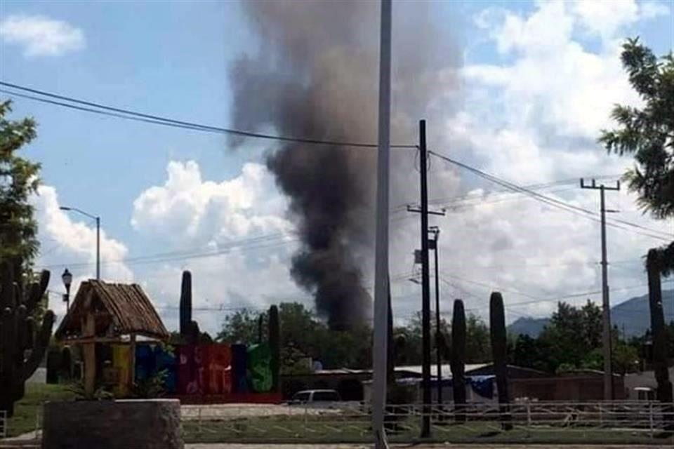 Irrumpe comando en Ímuris, Sonora, e incendia casas