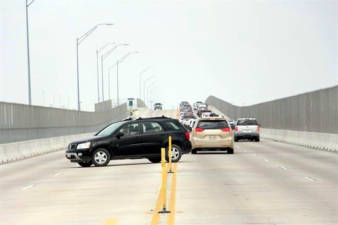 Abarrotan regios puentes de Reynosa