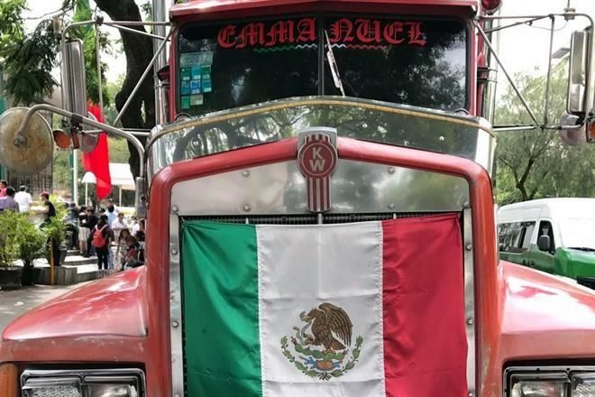 Roban tráiler con víveres para Puebla