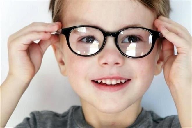 6012fa6699 Según expertos, el aumento en el porcentaje de niños que usan lentes con  graduación en NL se debe al uso exagerado de pantallas. Foto: Archivo