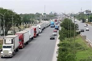 Saturan puentes de Reynosa