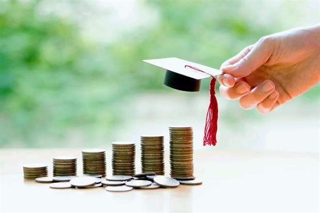Resultado de imagen para sueldos universitarios